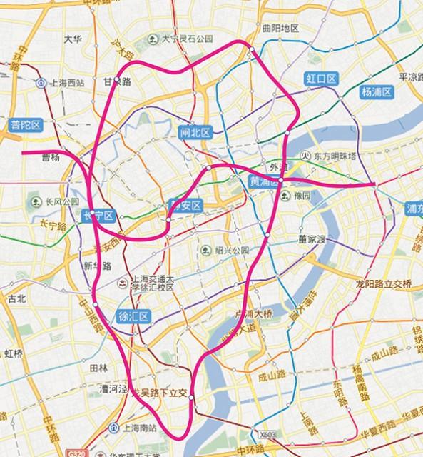 「百度」にある上海中心部の地図に、同縮尺の山手線を当てはめてみた(百度のサービスページから引用し加工した)